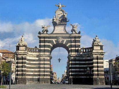 1280px-Il_Fortino_-_Porta_Garibaldi_Catania